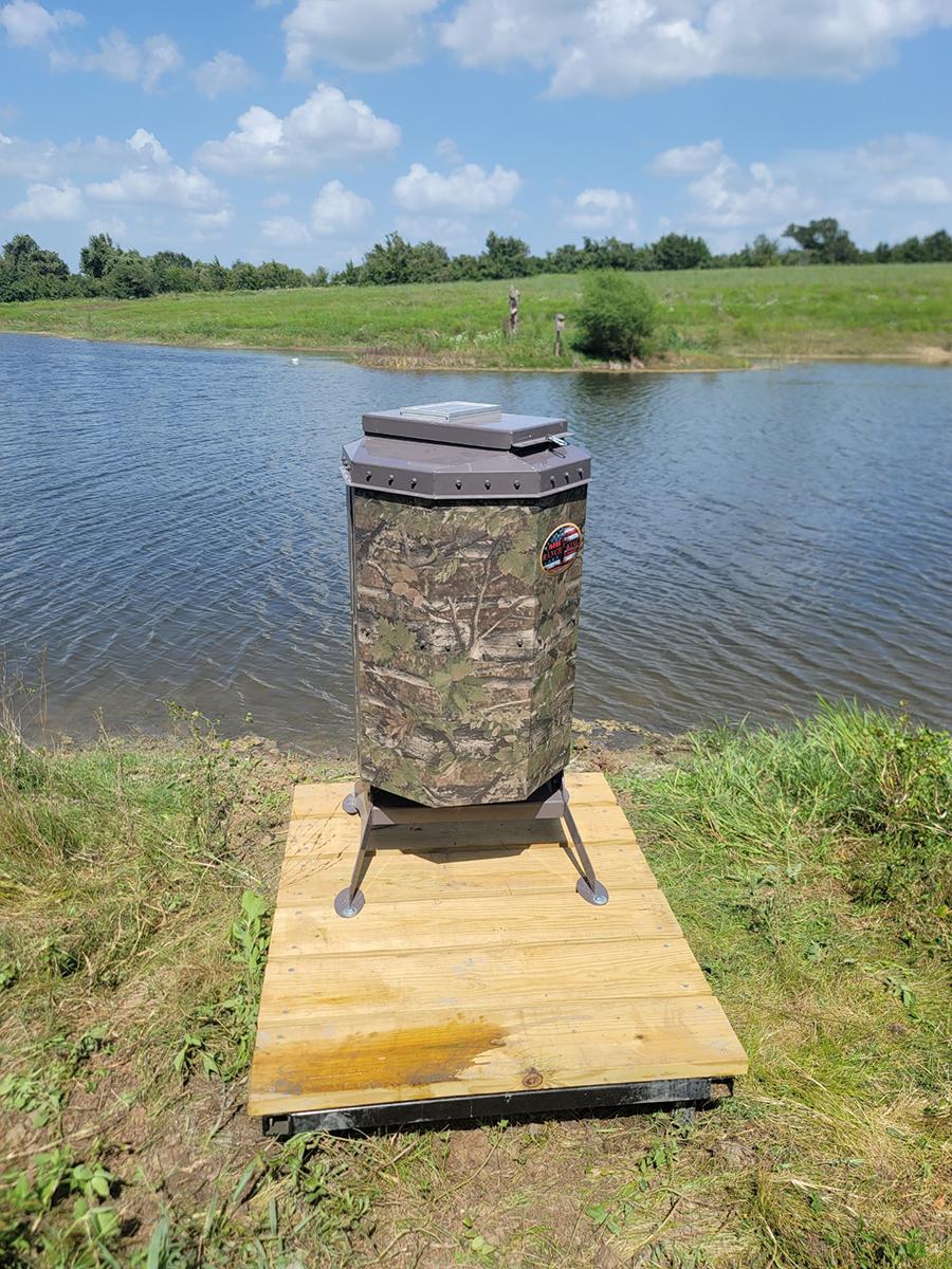 Ranch King Texas Avenger fish feeders